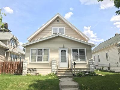 Milwaukee Single Family Home For Sale: 3162 S 11th St