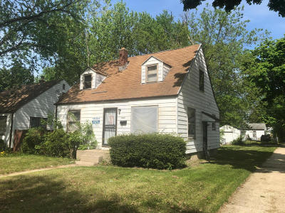 Milwaukee Single Family Home For Sale: 4902 N 22nd St