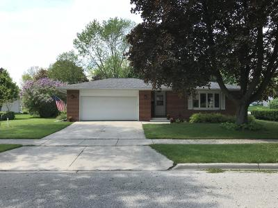 Cedarburg Single Family Home Active Contingent With Offer: W65n373 Westlawn Ave