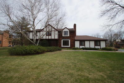 Brookfield Single Family Home Active Contingent With Offer: 15985 Pomona Rd