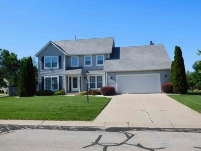 Pleasant Prairie Single Family Home For Sale: 3332 109th St
