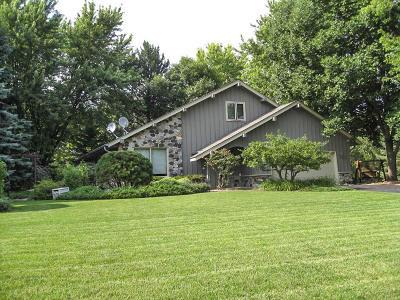 Mukwonago Single Family Home Active Contingent With Offer: S74w31220 Arbor Dr