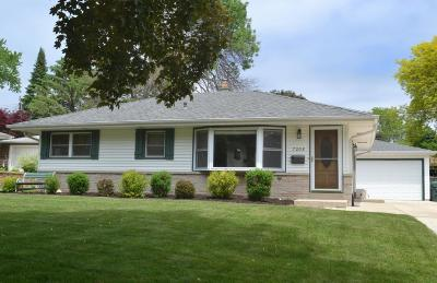 Single Family Home Active Contingent With Offer: 7208 Devonshire Ave
