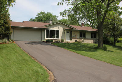 Hartland Single Family Home For Sale: W291n8268 Parkview Ln