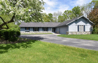 Brookfield Single Family Home For Sale: 1950 Jean Marie Ct