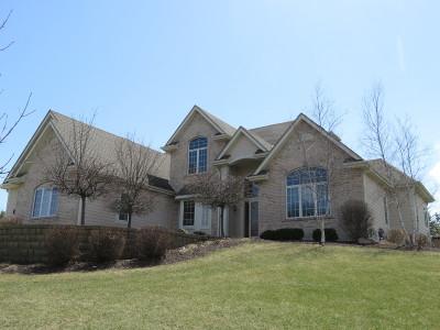 Menomonee Falls Single Family Home For Sale: N55w21701 Adamdale Dr