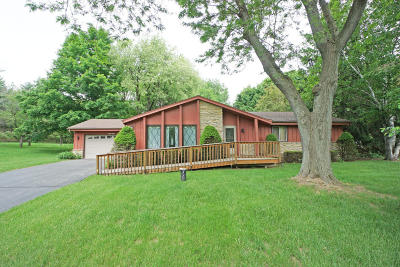 Delafield Single Family Home Active Contingent With Offer: W316n841 Juniper Ter