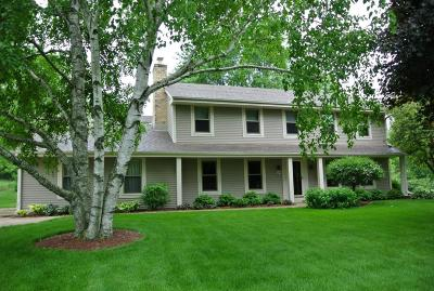 Waukesha Single Family Home For Sale: W225s4375 Guthrie Rd