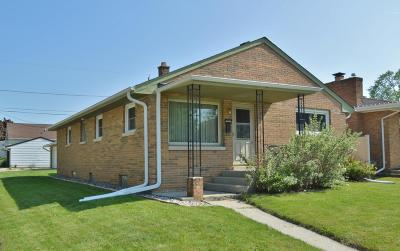 South Milwaukee Single Family Home Active Contingent With Offer: 1334 Manitowoc Ave