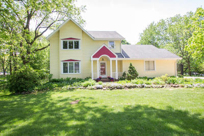 Brookfield Single Family Home For Sale: 16405 Patricia Ln