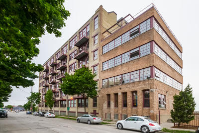 Milwaukee Condo/Townhouse For Sale: 215 W Maple St #311