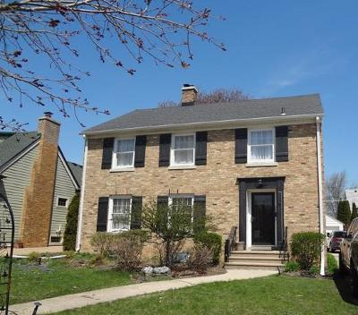 Kenosha Single Family Home Active Contingent With Offer: 526 73rd St