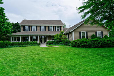Brookfield Single Family Home Active Contingent With Offer: 4390 Highfield Ct