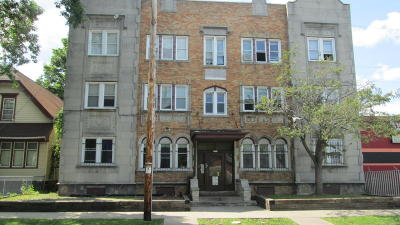 Milwaukee County Multi Family Home For Sale: 3959 N 19th Pl