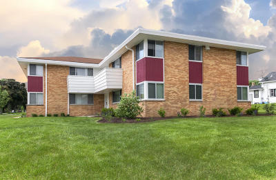 Milwaukee Multi Family Home For Sale: 8105 W Capitol Dr