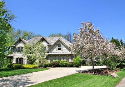 Brookfield Single Family Home Active Contingent With Offer: 2525 Keats Ct