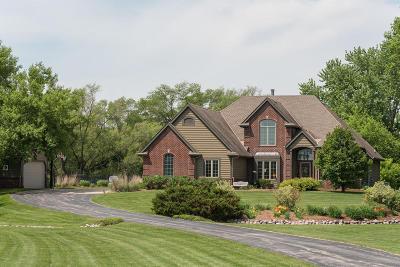 Hartland Single Family Home For Sale: N86w27425 Fieldcrest Cir