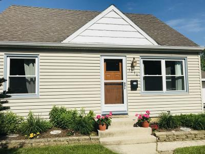 Ozaukee County Single Family Home Active Contingent With Offer: 1214 5th Ave