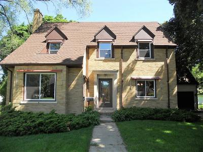 Mukwonago Single Family Home For Sale: 114 Oakland Ave