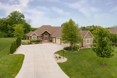 Waukesha County Single Family Home Active Contingent With Offer: W186s8977 Cardinal Ct