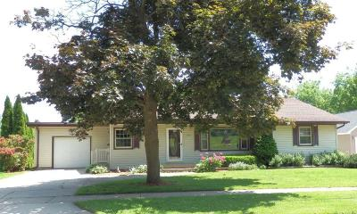 Waterloo Single Family Home Active Contingent With Offer: 444 S Washington St