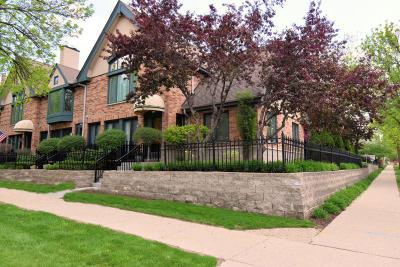 Milwaukee Condo/Townhouse For Sale: 1003 E Lyon St
