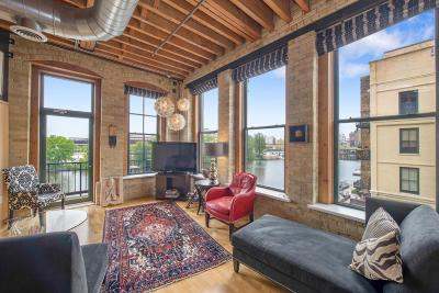 Milwaukee Condo/Townhouse Active Contingent With Offer: 141 N Water St #30