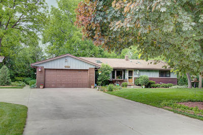 Brookfield Single Family Home Active Contingent With Offer: 17860 Windemere Rd
