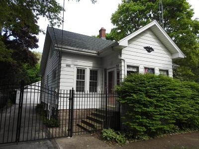 Kenosha Single Family Home For Sale: 1211 Sheridan Rd