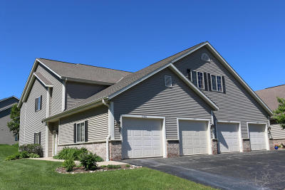 Grafton Condo/Townhouse Active Contingent With Offer: 2178d Pine Ridge