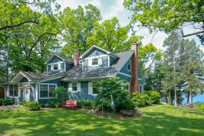 Kenosha County Single Family Home For Sale: 344 Blackhawk Trl