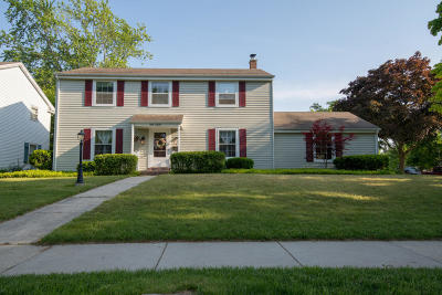 Cedarburg Single Family Home Active Contingent With Offer: N86w5195 Covington Sq