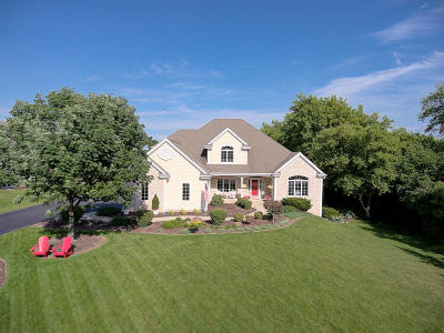 Pewaukee Single Family Home Active Contingent With Offer: W291n4212 Prairie Wind Cir N