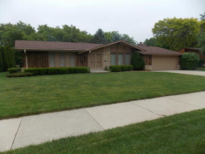 West Allis Single Family Home Active Contingent With Offer: 3442 S 119th St
