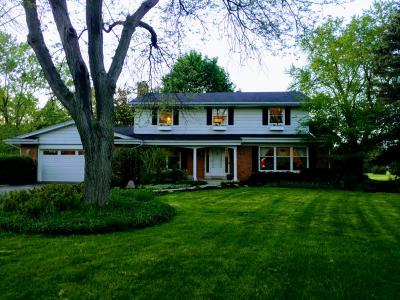 Mequon Single Family Home For Sale: 3200 W Mulberry Dr