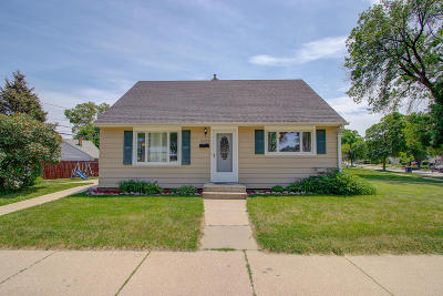 West Allis Single Family Home Active Contingent With Offer: 9323 W Orchard St
