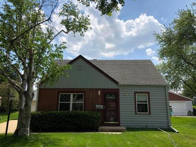 West Allis Single Family Home For Sale: 8919 W Harrison Ave