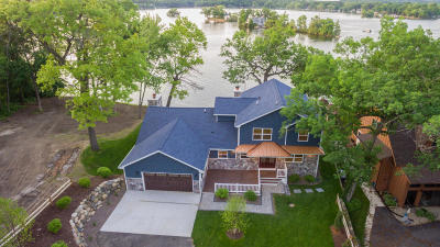 Mukwonago Single Family Home For Sale: S107w34838 South Shore Drive