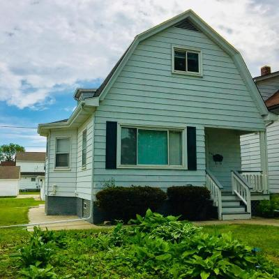 South Milwaukee Single Family Home For Sale: 427 Montana Ave