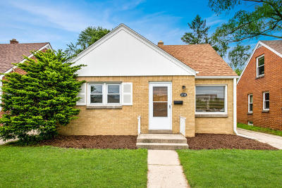 Whitefish Bay Single Family Home For Sale: 5726 N Lydell Ave