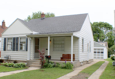 Whitefish Bay Single Family Home Active Contingent With Offer: 4732 N Diversey Blvd