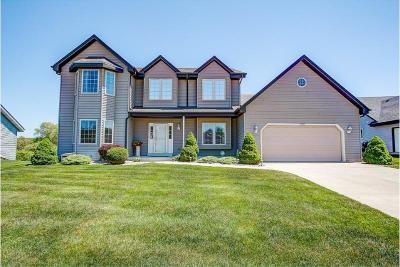 Oak Creek Single Family Home Active Contingent With Offer: 9710 Wintergreen Dr