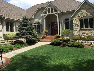 Waukesha County Single Family Home For Sale: W319n1042 Balsam Ln