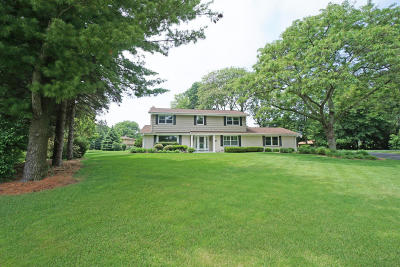 Brookfield Single Family Home For Sale: 2565 Coach House Ct