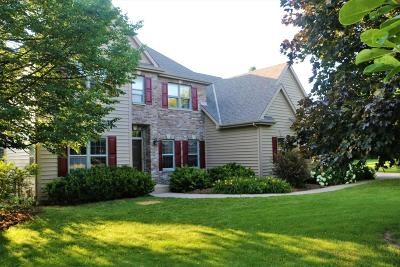 Waukesha County Single Family Home For Sale: W311n4981 Old Steeple Ct