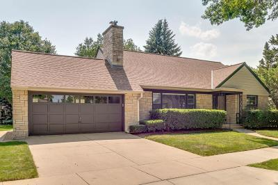 Wauwatosa WI Single Family Home For Sale: $459,900