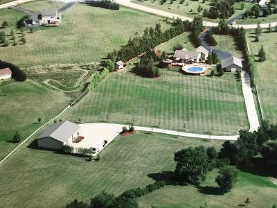Racine County Single Family Home Active Contingent With Offer: 32715 Vista View Dr