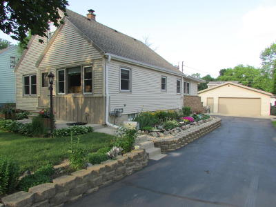 West Allis Single Family Home For Sale: 3176 S 106th St