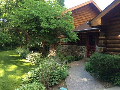 Pewaukee Single Family Home Active Contingent With Offer: N28w29868 Oakwood Grove Rd