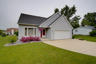 Oak Creek Single Family Home Active Contingent With Offer: 3930 E Elm Rd